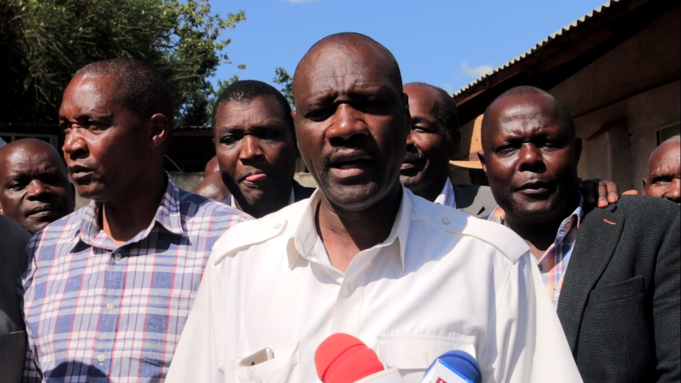 Former Councilor Elijah Mbweke leading other leaders in adressing the media at Ogembo on Wednesday Photo/Daily Clock