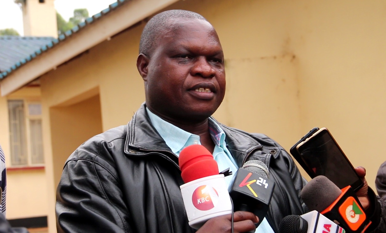 Kisii Deputy Governor Joash Maangi addressing the press at his Residential Home on Monday evening Photo/Daily Clock
