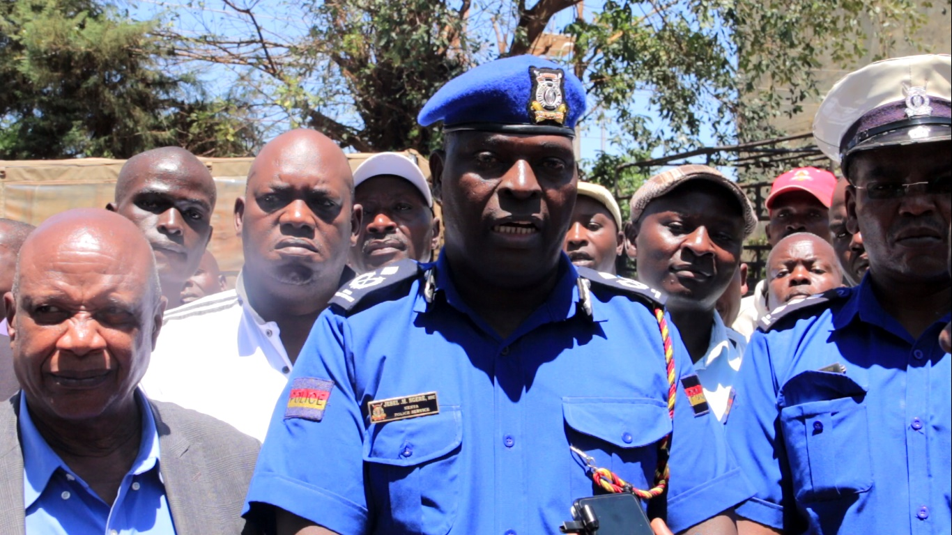 Kisii County Police Commander Jebel Munene addressing the media at Kisii Central Police Station on Monday after meeting Matatu leaders. Photo/Rogers Gichana
