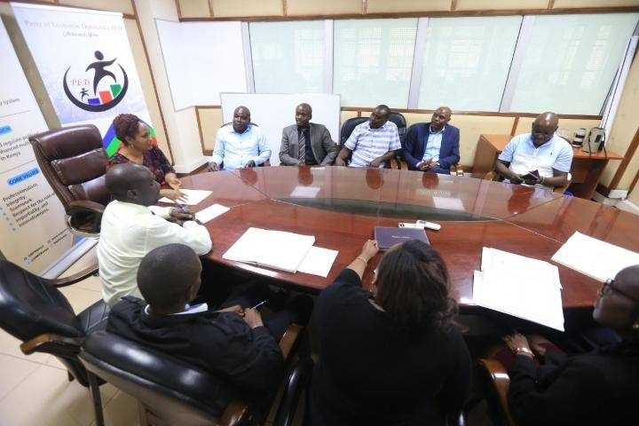 Party Officials in a discussion with Ms Ann Njeri Nderitu who is heading the Office of the Registrar of Political Parties (Photo/Obino)