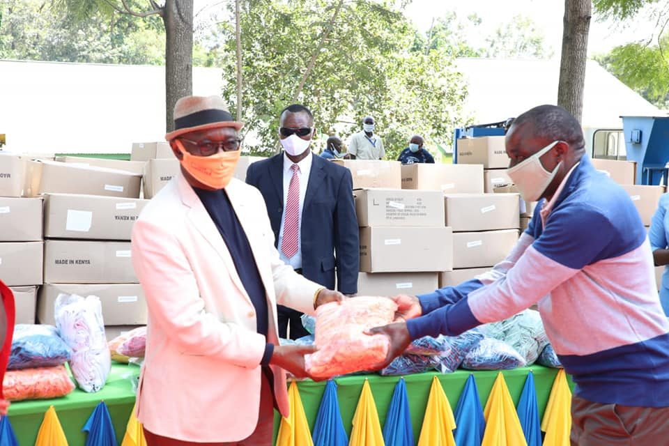 Kisii Governor James Ongwae issuing Face Masks to County MCAs Photo/County